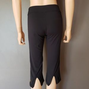 Lucy Lotus Collection Active Capris Black Loose